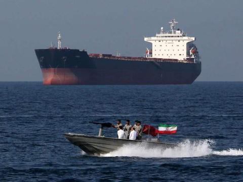 1艘油轮在霍尔木兹海峡消失,美指责伊朗,阿联酋澄清:不是我的