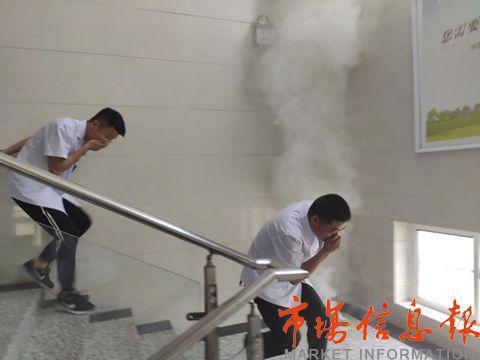 邳州市戴庄镇卫生院开展消防安全应急疏散演练