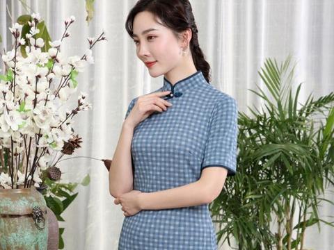 中年女人也可以清新文艺,不妨试试这四个旗袍穿搭技巧,更显气质