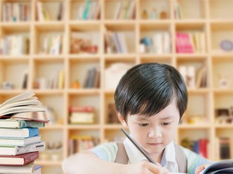 暑假来了,家长又给孩子报了很多个兴趣班,这真的有必要吗