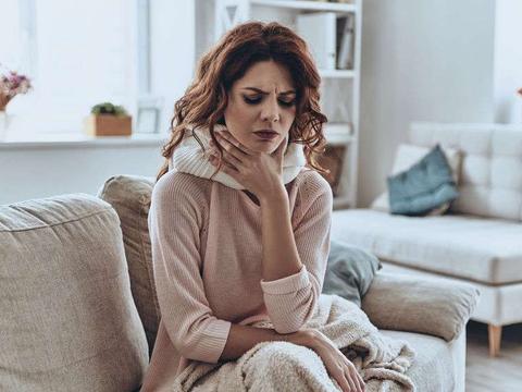 喉咙干燥、吞咽费力,是咽炎还是食管癌?3个症状教你分辨它们!