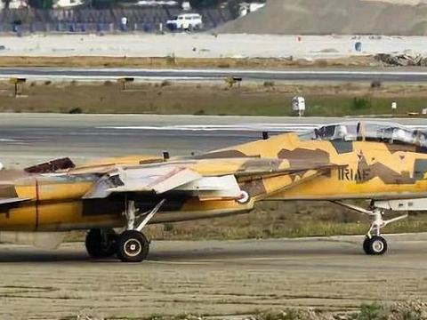 F-14突然开火,当场击落一架轰-6D,多年后战神轰炸机横空出世