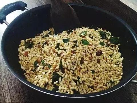 大米炒一下,可以刮走肠道毒素垃圾,家里有孕妇都可以吃,治腹泻