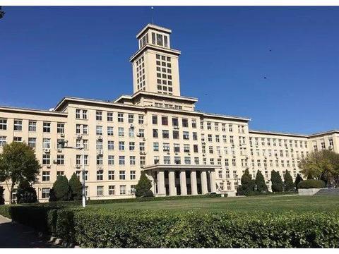 """被誉为中国高等教育的""""奇迹"""",这所顶尖大学究竟有多耀眼?"""