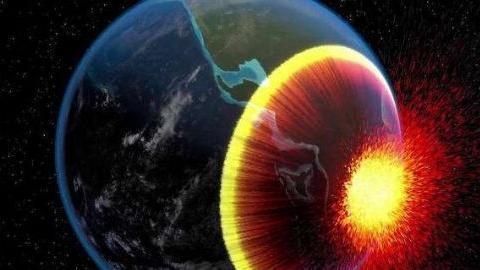 威力堪比500枚氢弹!2100万吨小行星冲向地球,时速高达11万公里