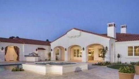 菲尔普斯晒出自己的豪宅:家里有个私人泳池,在美国也是很豪华