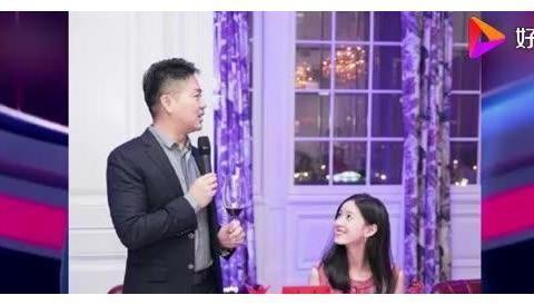 章泽天刘强东今晚宣布离婚?京东副总裁朋友圈公开,京东辟谣:假