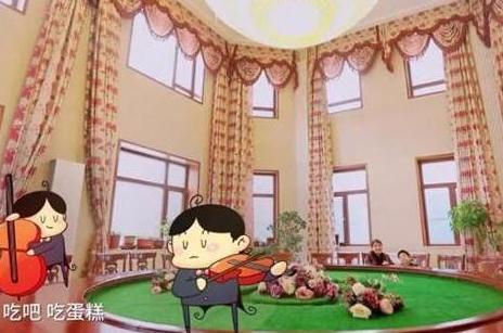 晒黄圣依住的豪宅,光客厅红木沙发就值百万,房子外观跟城堡一样