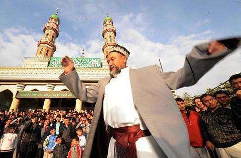 新疆旅游你必须知道的5大禁忌,其中凝视也会挨打,放屁也有规定