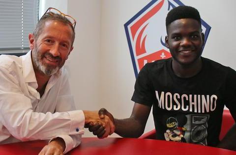 官宣!你没看错,里尔签约20岁安哥拉国脚后腰,名字叫秀