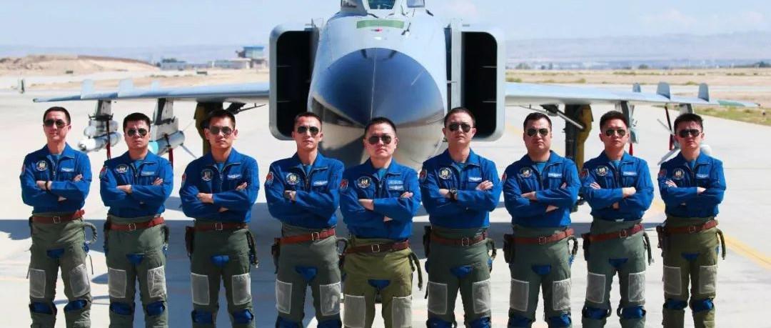 壮志凌云!萍乡11名学子被录取为空军飞行学员