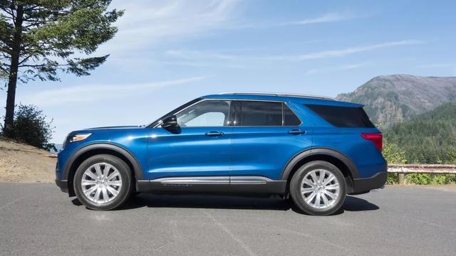 2020福特Explorer为混合动力车型,新靓丽蓝。