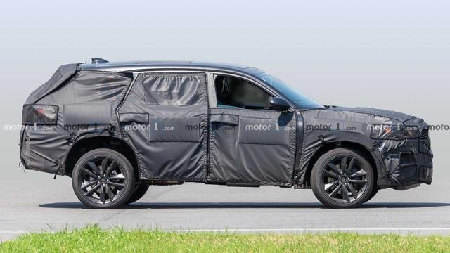 四出排气+400匹马力,讴歌旗舰SUV运动版曝光,MDX Type-S谍照