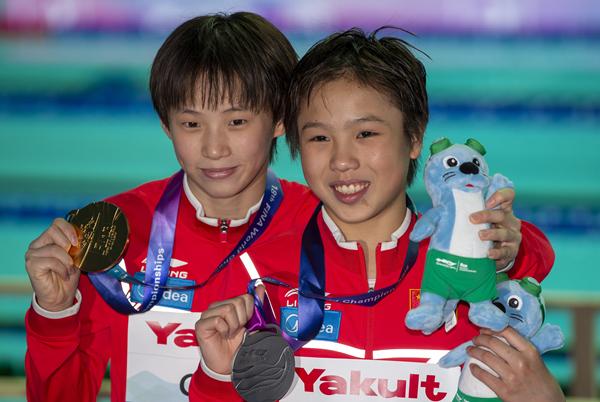 上海小囡陈芋汐女子十米台夺冠,这是中国跳水队6年后再夺此项目金牌