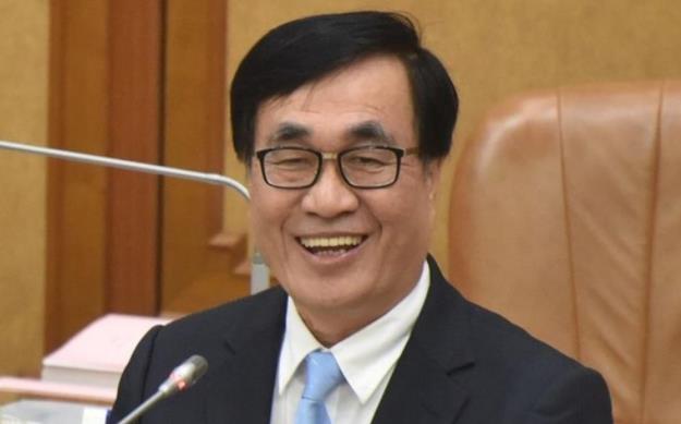 台湾为什么止步不前?韩国瑜倚重的副市长那样说