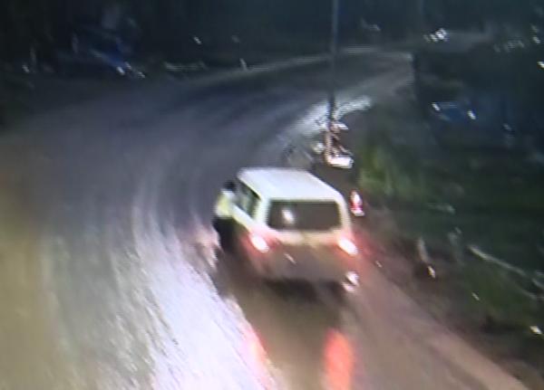 重庆一男子酒驾冲卡拖行辅警1公里,涉嫌妨害公务罪被批捕