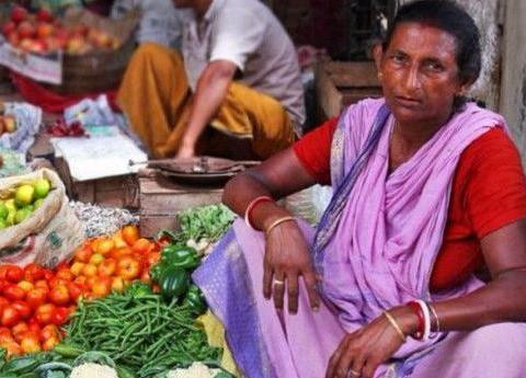 中国女游客到印度逛菜市场,什么都不敢买?
