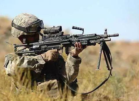 M249班用自动武器在1984年正式成为美军三军制式班用机枪