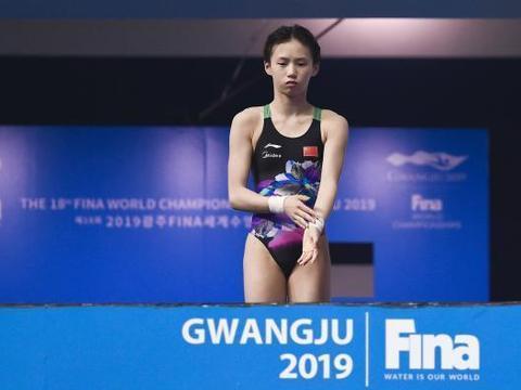 游泳世锦赛奖牌榜:中国10金领跑,跳水队14岁小花创造历史