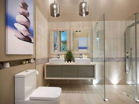 为什么外国人卫生间不装淋浴房?头次见这种设计,不得不说太聪明