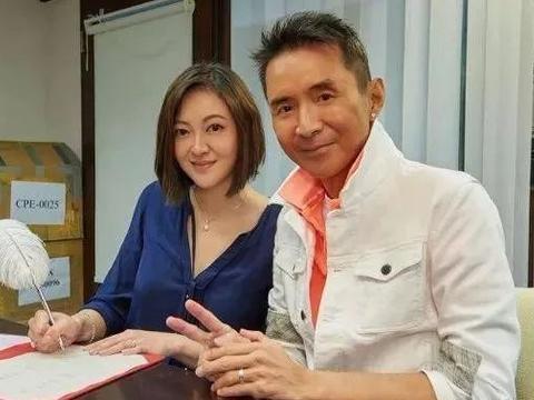 新婚快乐!52岁前小虎队成员抗癌成功一年:昨日迎娶台湾女友入门