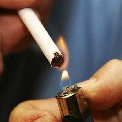"""领导干部、医生、教师,控烟就该抓好""""关键少数"""""""