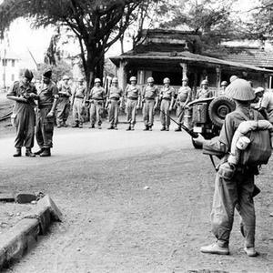 法军灰溜溜从越南撤离 一国贡献很大无偿援助各种物资