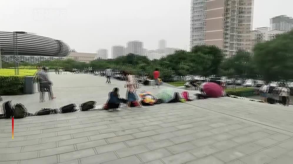 别人的暑假!上千人清晨就在太原图书馆门前排长队