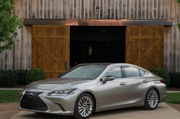 车闻来了:雷克萨斯国六版ES上市;宝马换帅;卡罗拉开启预售