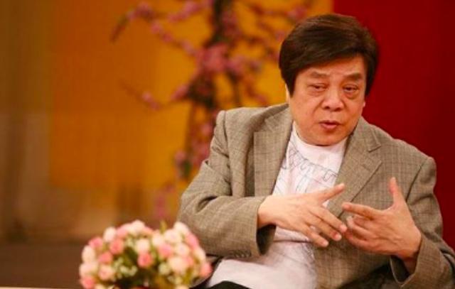 77岁赵忠祥5亿豪宅满是各种古玩似藏宝阁,最贵的不是红木家具