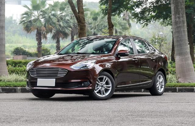 福特顶梁柱倒下,巅峰月卖3万5千台,如今全系上三缸,月销不过万