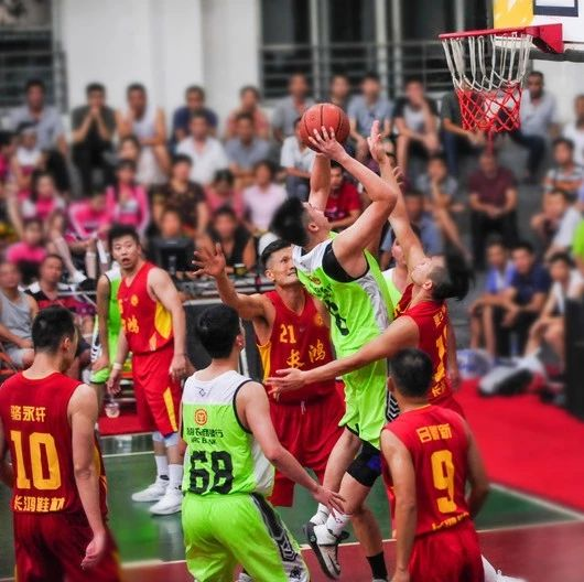 今晚7点半,2019年里水镇企业男子篮球赛激情开波!