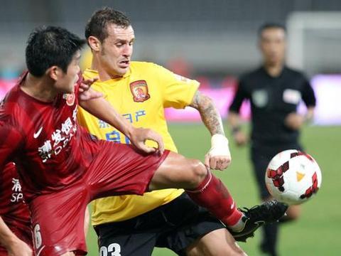 欢迎!恒大功勋外援重回亚洲足坛,他也算是一代巨星