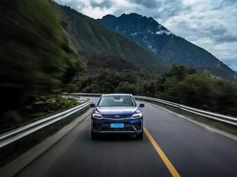 扛起豪华 SUV 大旗 ,在西藏高原上试驾吉利旗舰SUV