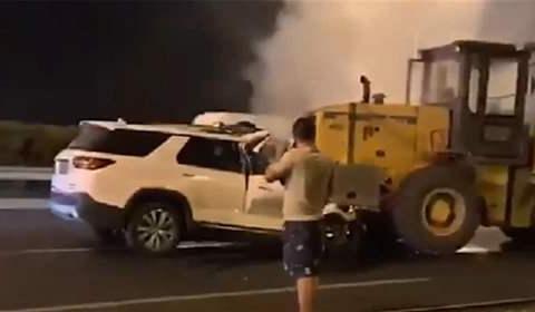 """见死不救""""铲车司机被刑拘,是否涉嫌间接故意杀人?"""