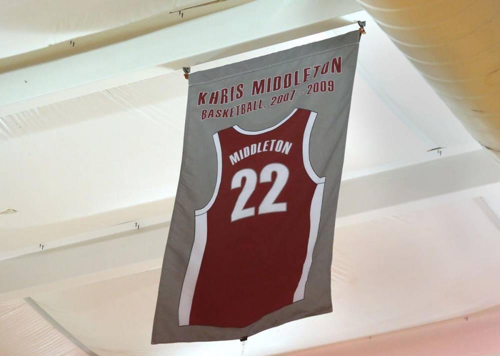米德尔顿的高中22号球衣在母校退役