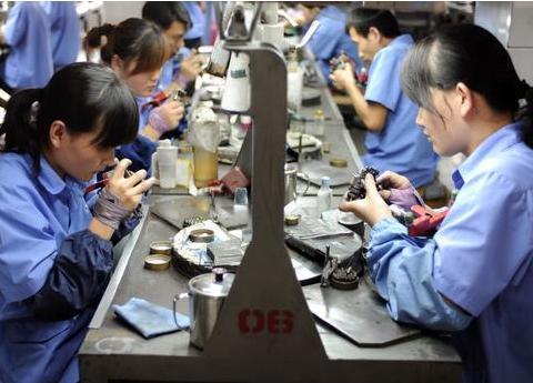 工厂大量招聘却没人来,9个员工透露其中真相,让人心酸!