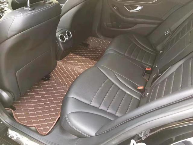 如果你有25万的预算,你会选择丰田凯美瑞新车还是二手奔驰C级?