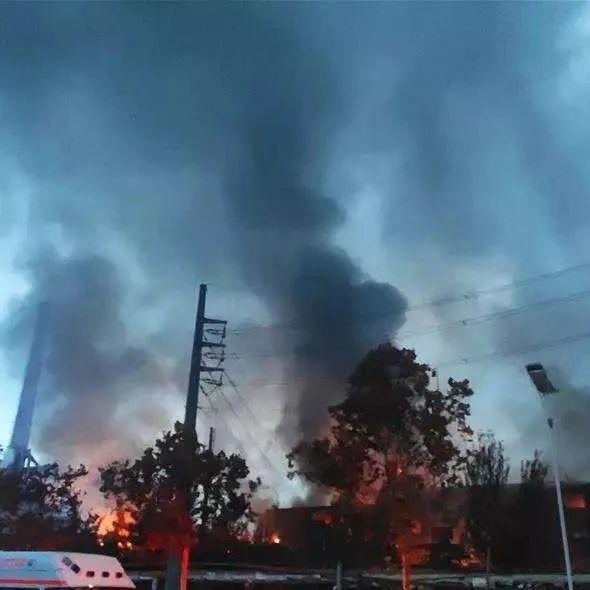 揪心!河南义马气化厂爆炸已致12人死19人重伤,现场航拍视频触目惊心