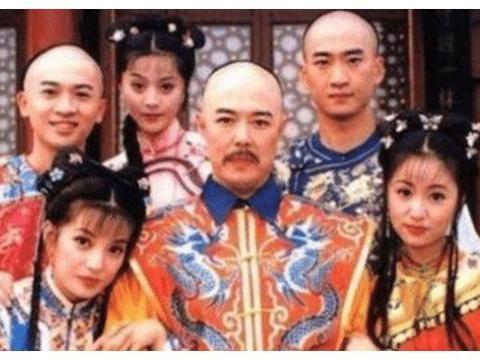 二十年前《还珠格格》有小沈阳?网友:赵薇玩笑开大