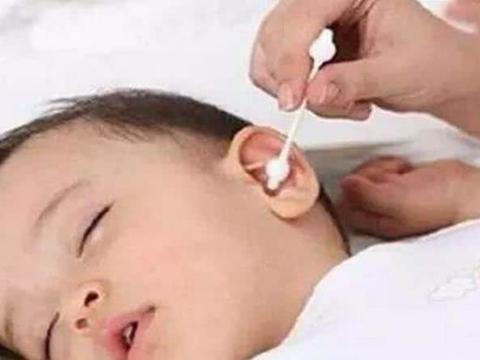 宝宝的耳朵不能随便掏,有耳屎怎么办?听听儿科医生怎么说!