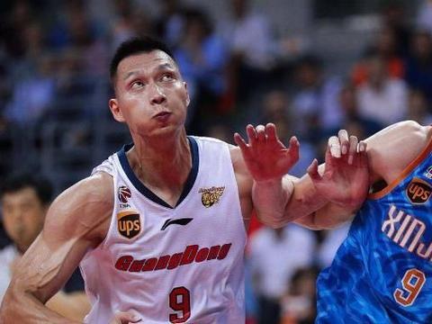 CBA:新疆男篮双子星无心留在CBA,新疆男篮下赛季或争冠无望?