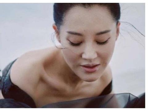 她是不老女神,28年前暗恋黄磊无果,至今还单身一人