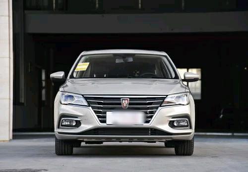 """国产车中销量中的""""常青树"""",荣威i5动力油耗如何?一起看看吧!"""