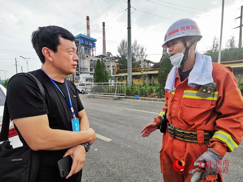 消防官兵讲述救援细节:当时只想着控火、救人