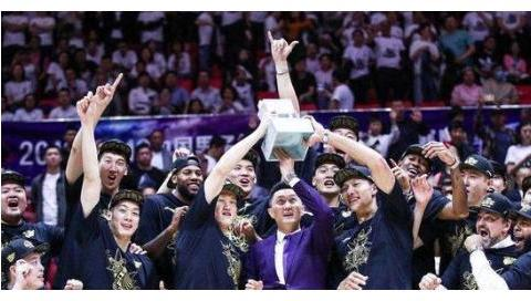 辽篮和广东男篮的差距在什么地方?是差在两位教练的执教能力吗?