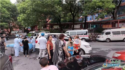 孕妇汽车上临盆 萍乡市妇幼保健院医护团队快速反应保母子平安(图)