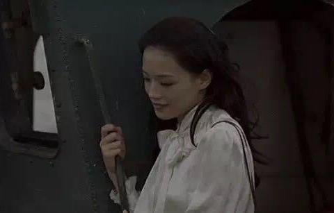 自带气质的舒淇,是遗落人间的精灵,在故事里当女主角