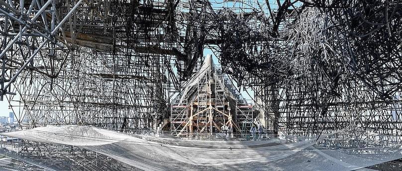 巴黎圣母院大火背后 离整体垮塌只差15分钟的生死时速