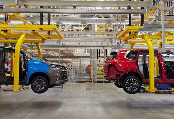 上汽大通南京工厂的定制化生产是如何实现的